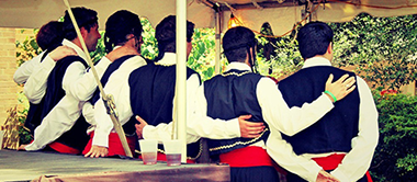 Greek-traditional-dancers2